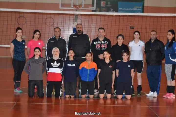 فريق الكرة الطائرة النسوية لنادي امانة بغداد يصل الى محافظة اربيل