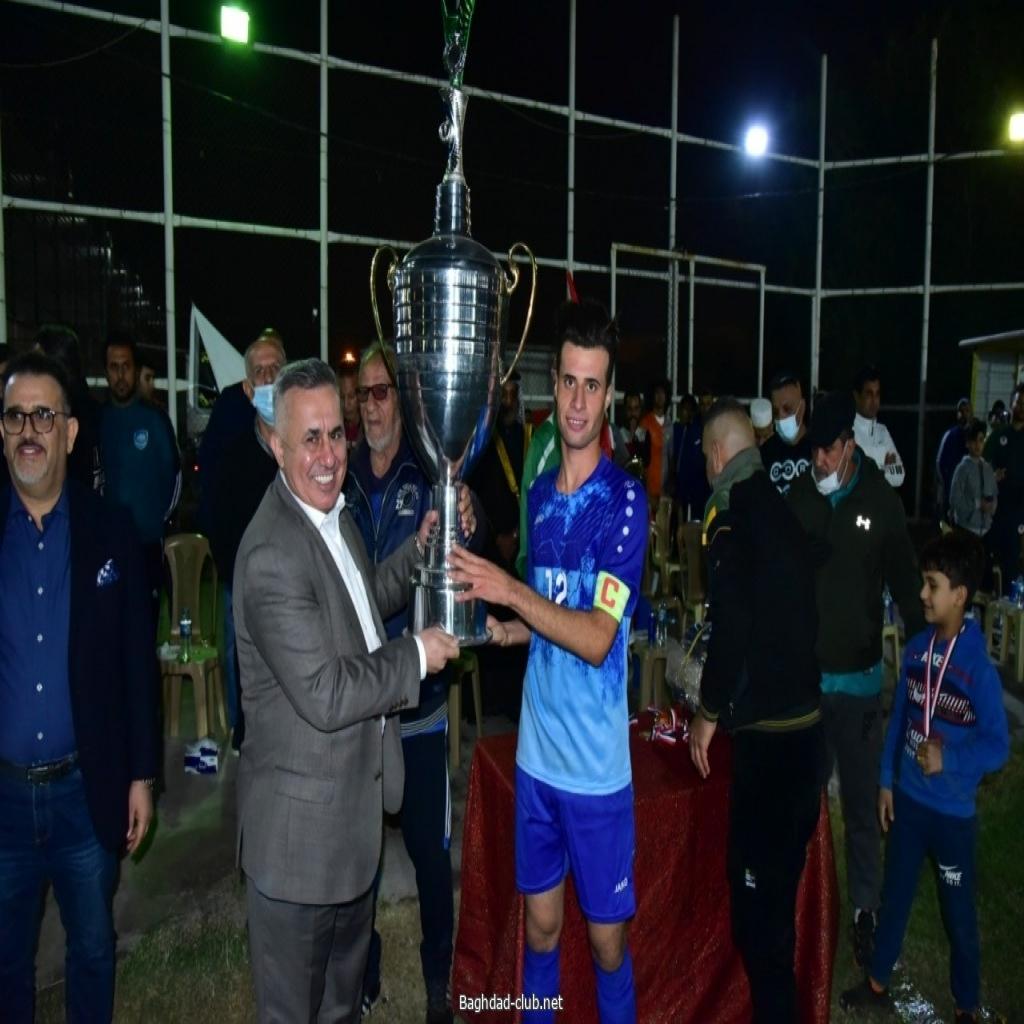 فريق شباب أمانة بغداد بكرة القدم يحرز كأس بطولة الراحلين احمد راضي وعلي هادي